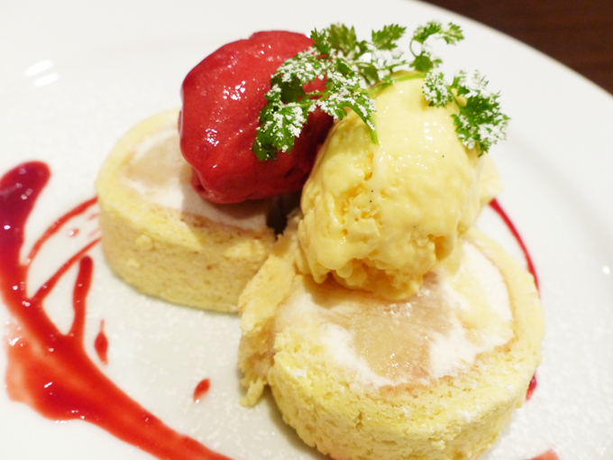 季節のフルーツのロールケーキ